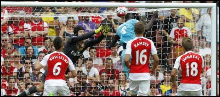 Cech fluffs lines on Arsenal bow, Liverpool win