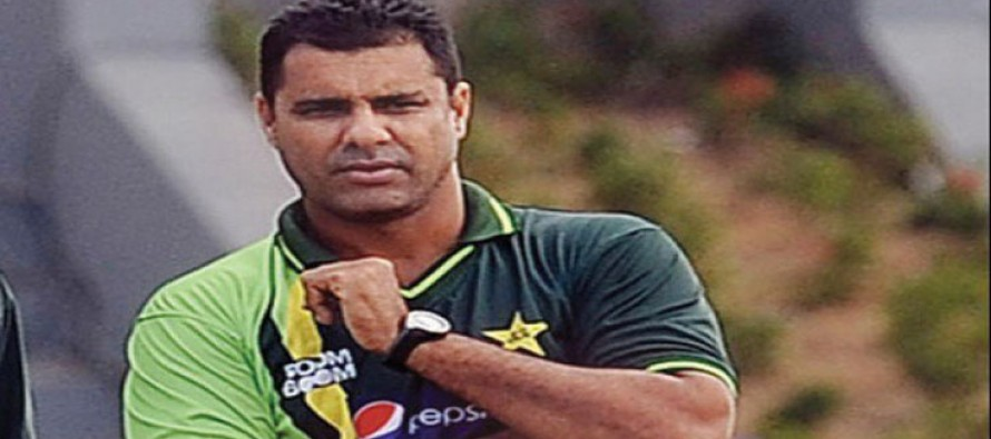 Waqar remains upbeat about England Tests
