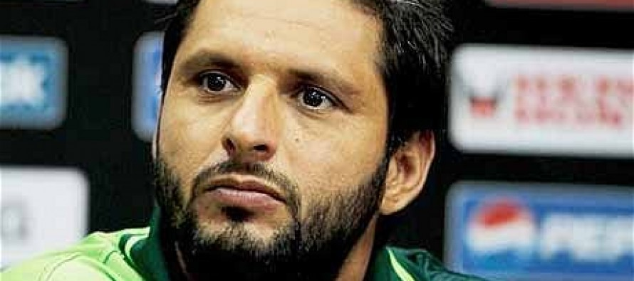 Afridi donates 5 million for earthquake affected people