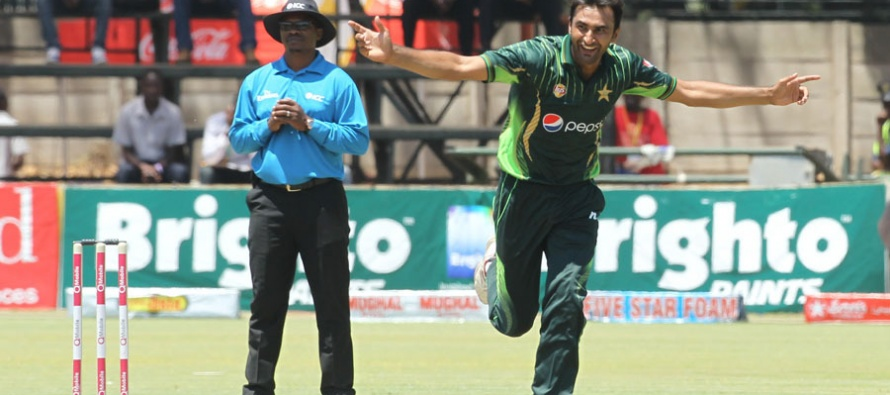 Bilal Asif puts Pakistan on the verge of victory