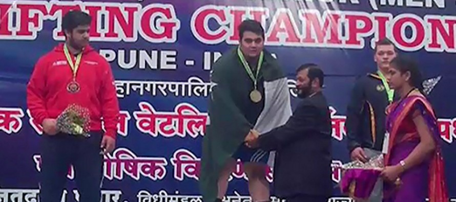 Weight lifting: Gold galore for Pakistan