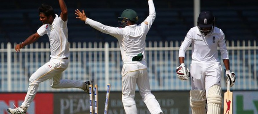Pakistan win the test match at Sharjah