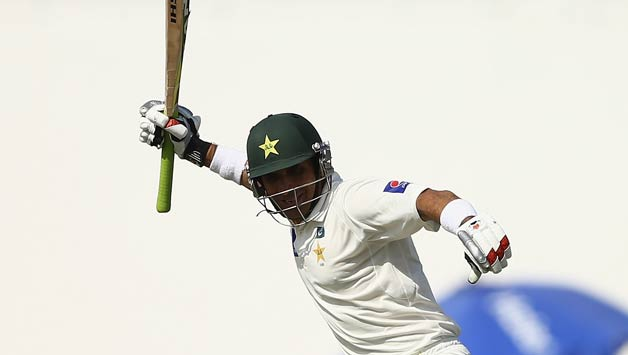 Misbah-ul-Haq-of-Pakistan-celebrates-after-equalling-the-fastest-test-century-in-history-off-56-balls68
