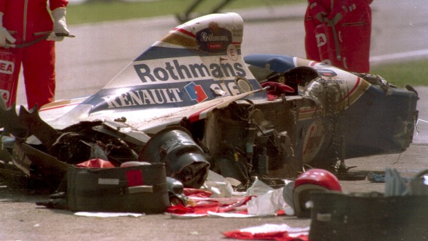 SD-AyrtonSenna-1 car crash