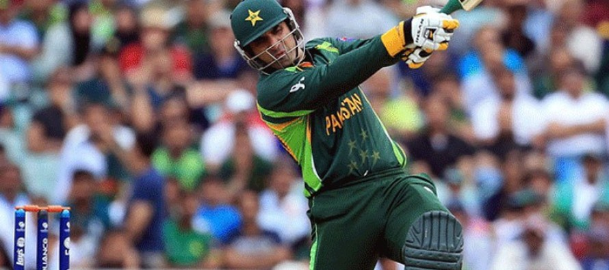Pakistan's Misbah signs with Bangladesh domestic team