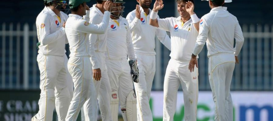 Pakistan start well after conceding lead