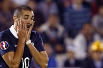 France suspends Benzema over sex-tape scandal