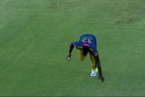 Andre Russell Grabs a Ridiculous Catch To Stun Everyone