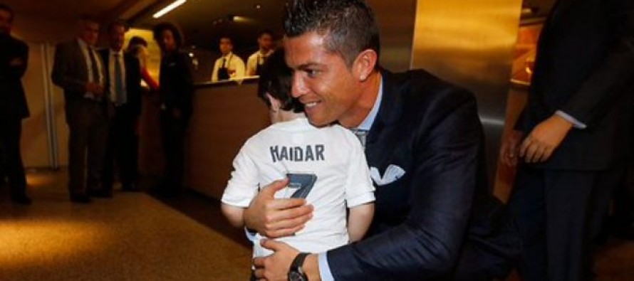 Ronaldo meets Beirut bombings orphan