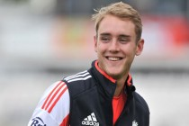 Broad strikes put England on top