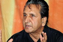 Qadir seeks equal treatment for tainted trio
