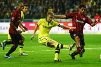 Aubameyang strikes as Dortmund rout Frankfurt