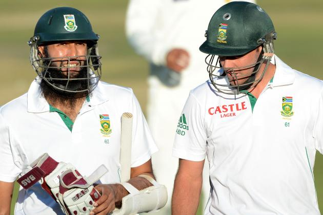 hi-res-160572916-hashim-amla-and-ab-de-villiers-of-south-africa-walks_crop_north