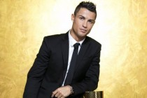 CR7 wants to live like a king