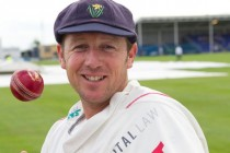 England turn to Croft for spin tips in South Africa