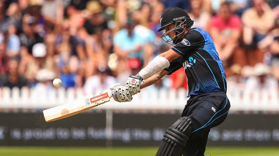 WELLINGTON, NEW ZEALAND - JANUARY 25: Matt Henry of New Zealand bats during the One Day International match between New Zealand and Pakistan at Basin Reserve on January 25, 2016 in Wellington, New Zealand. (Photo by Hagen Hopkins/Getty Images)