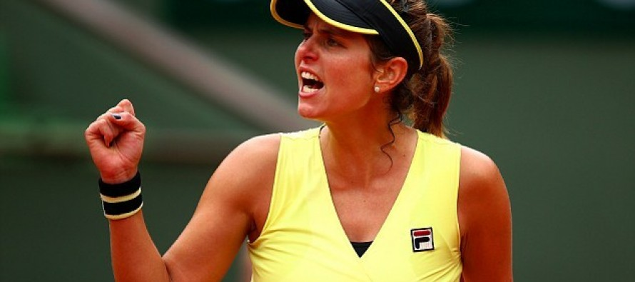 Goerges makes Auckland final before rain sets in