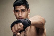 Amir Khan  to fight Welterweight champion