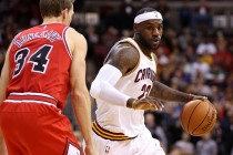 LeBron leads Cavaliers over Bulls