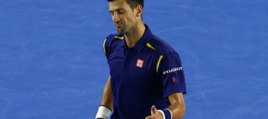 Djokovic shrugs off shoulder problem to give Serbia Davis Cup lead