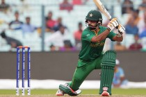 Hafeez and Imad Shines as Pakistan beats Sri Lanka in the Warm Up game