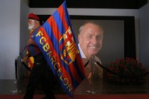El Clasico fitting scene for Cruyff's Barca send-off