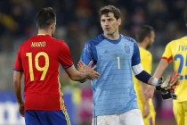 Spain held in Romania on record night for Casillas