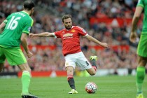 Mata gives Man United's top-four chase flight