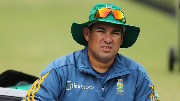 South-African-coach-Russell-Domingo-prepares-for-his-training-session