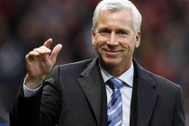 Pardew wants to forget league woes in FA Cup