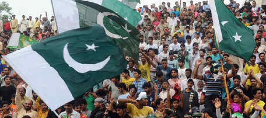 Twitter reacts to Pakistan Day celebrations