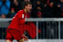 Bayern must stop leaking points, says Mueller