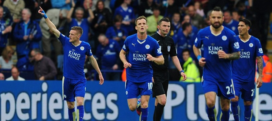 Leicester extend lead as United close on Champions League place