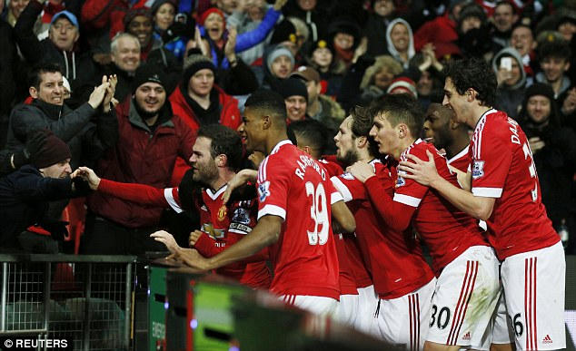 31C922AF00000578-0-Mata_is_joined_by_his_Manchester_United_team_mates_as_he_celebra-a-14_1457004043807
