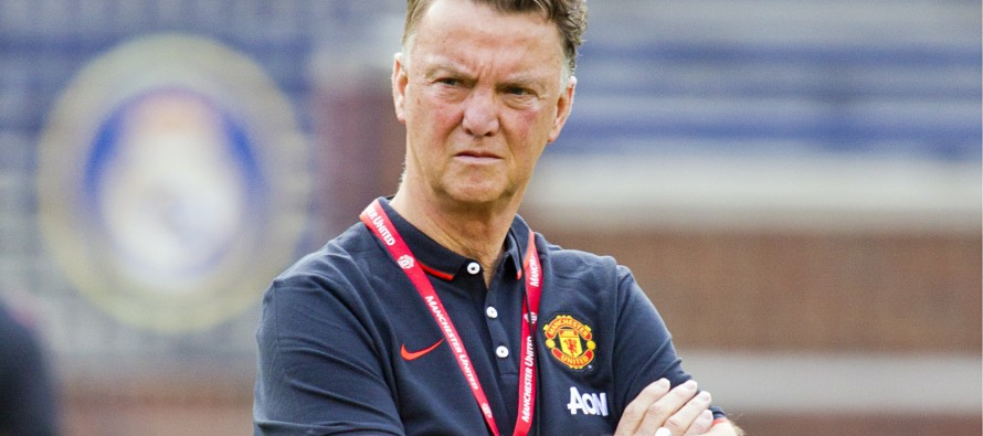 Van Gaal ready to delay Leicester party