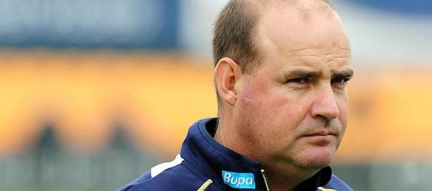Peter Moores and Mickey Arthur emerging as frontrunners to become head coach