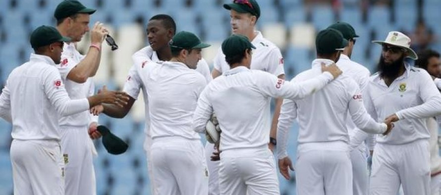 South Africa players against day-night test