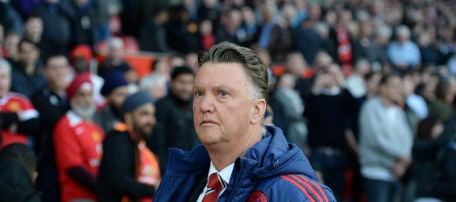 Van Gaal angered by Old Trafford 'empty seats'