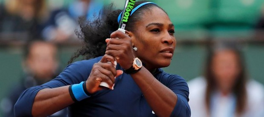 Serena blazes into second round at French Open