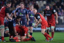 Hat-trick helps Crusaders maintain pressure