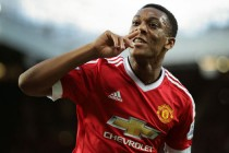 Martial strikes as Man Utd make Leicester wait