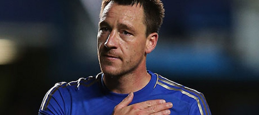 Terry signs new Chelsea deal to end exit talk