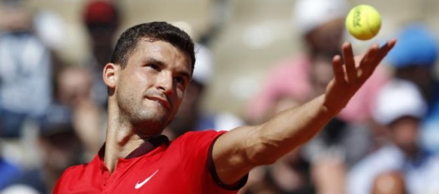 Racquet-smashing Dimitrov loses Istanbul final after epic meltdown