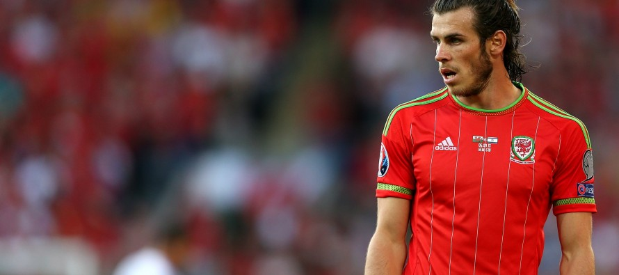 Bale left out of Wales training squad