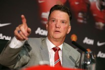 Van Gaal denies Champs League crucial for signings