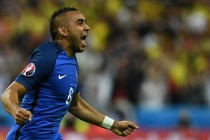 Payet stunner rescues France in Euro opener