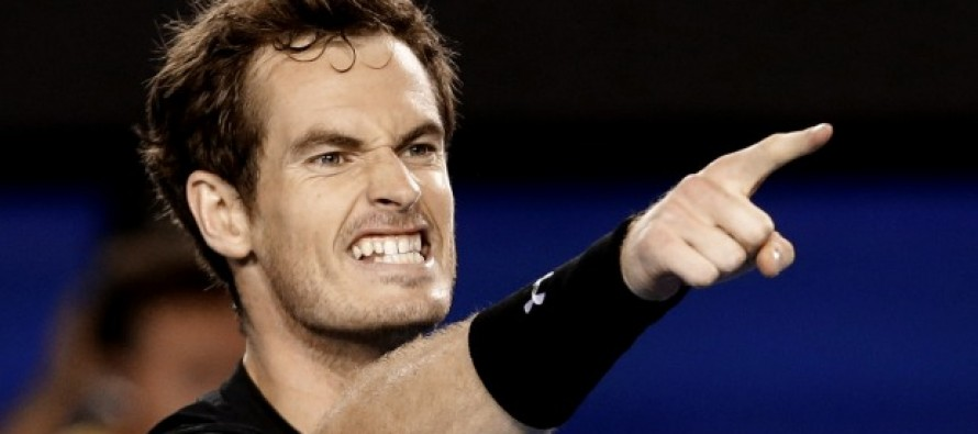 Murray makes history with fifth Queen's crown