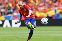 'Magical' Iniesta is key for Spain, says team-mate Busquets