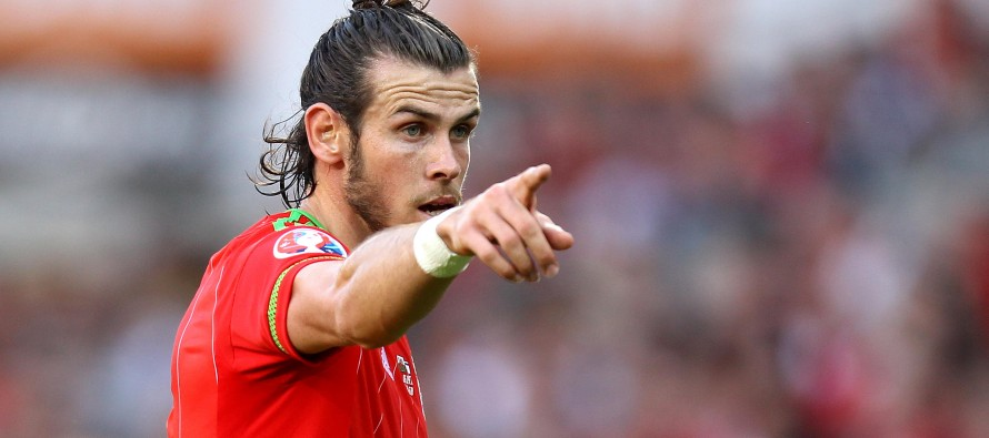 Bale says Wales happy to take plaudits