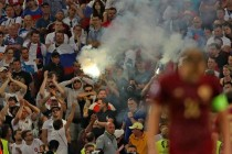 Russia out of Euro 2016 if more stadium trouble – UEFA